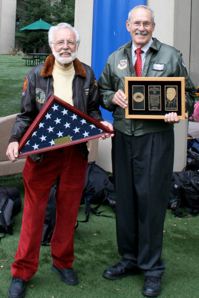 Bill Welker '51 (right) receives Halverson Award on Veteran's Day for his service in the U.S. Air Force and commitment to Menlo School. Pictured here alongside fellow Veteran and former Menlo faculty member Robin McGlohn.