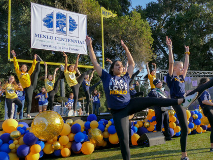 Menlo School celebrates Homecoming with a party on the Loop. Photo by Pete Zivkov.