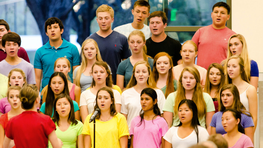 Menlo School chorus performs an evening pops concert. Photos by Joe Wang.