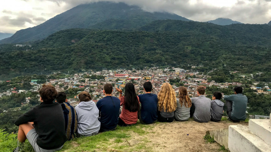 Menlo School students explore and do service work in Guatemala. Photo by Roger Zamora.